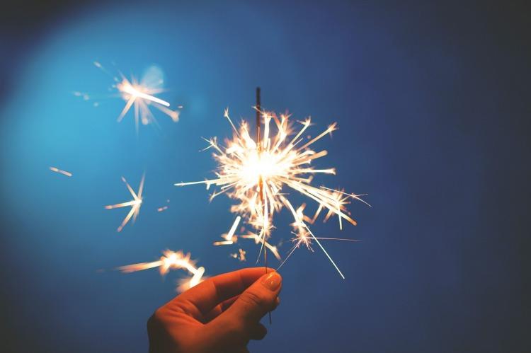 sparklers-923527_1280