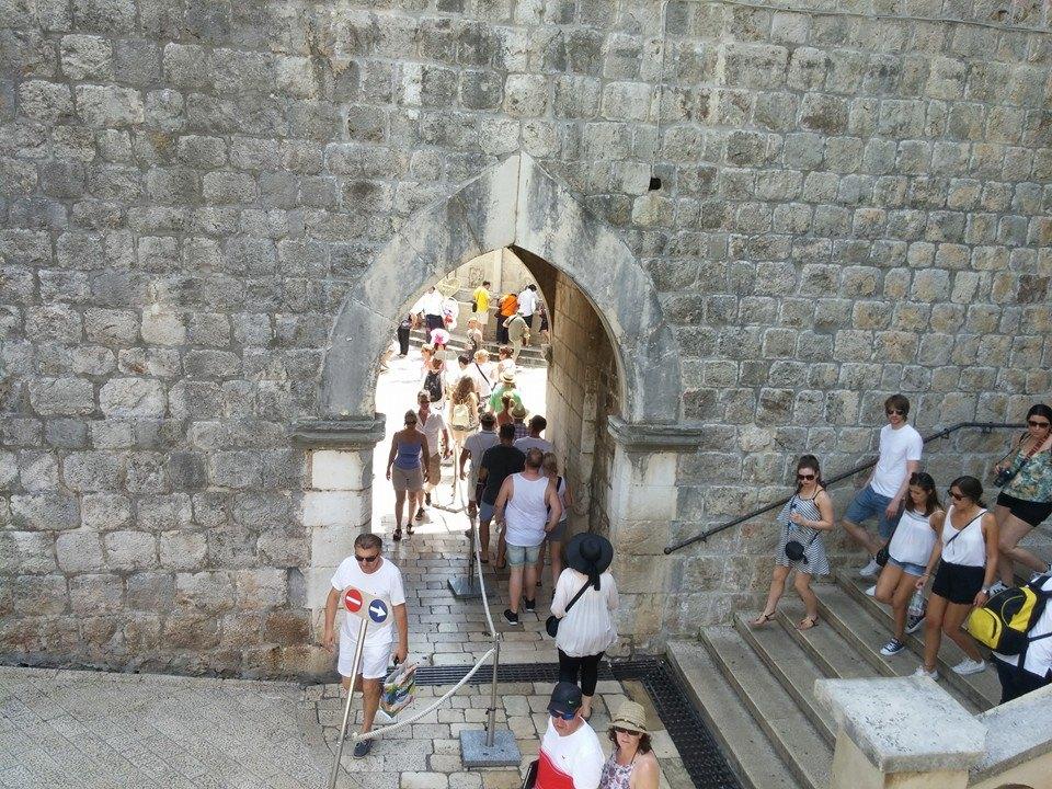 Pile Gate