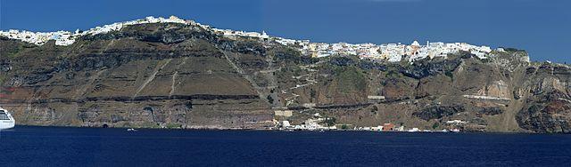 640px-santorini-20070808-058248-panorama-small